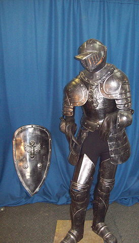 Where to find SUIT OF ARMOUR, KNIGHT in Howell